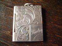 reizendes Art Deco Medallion Art Nouveau Locket 900er Silber für Butzy graviert