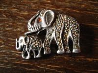 Niedliche Vintage Markasit Brosche Elefant Elefanten Mutter m Kind 925er Silber