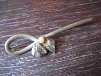 dekorative Biedermeier Brosche Schleife verziert Perle gold Doublé um 1880