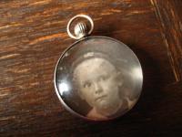 Jugendstil Medallion Anhänger 2 Seiten Lupenglas Linsenglas 800er Silber museal