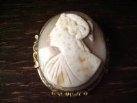 riesige Biedermeier Muschelgemme Kamee Cameo gold Fassung reich verziert Brosche