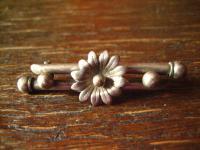 reizende Jugendstil Brosche mit Blüte Blume Blümchen 800er Silber tolle Form