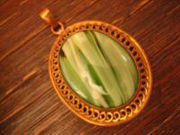 prächtiger farbenfroher Jugendstil Anhänger großes Pâte de Verre grün gold
