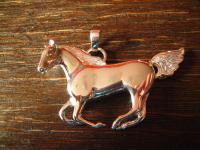 geschmackvoller sehr großer Pferde Anhänger Pferd Hengst Mustang 925er Silber Neu
