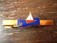 vintage Sport Krawattennadel Krawattenklemme Segeln Segelboot Segler Emaille gold ausgefallen