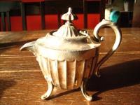zuckersüßes Milchkännchen winzige Teekanne Füße und Deckel silber pl Sheffield