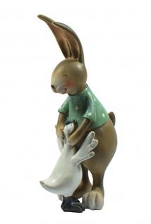 Deko Hase Hasen Mann mit Hahn Vogel Osterhase Oster Figur Ei Kaninchen Skulptur