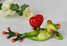 Frosch Dame mit Herz Kröte Lurch Deko Tier Figur Skulptur Froschkönig Laubfrosch