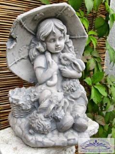 SA-N477 niedliche Kinder Gartenfigur Mädchen mit Schirm und Hase 30cm - Vorschau 2