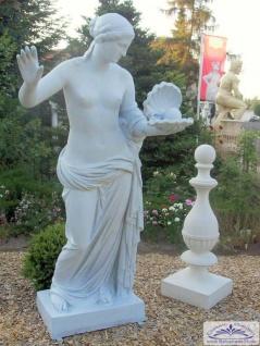 Aphrodite Figur als griechische Meeresgöttin mit Muschel und Perle überlebensgroße Polyester Kunststoff 210cm