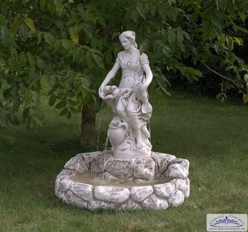 Srs107010 garten wandbrunnen mit wasser steinbecken und - Garten wandbrunnen ...