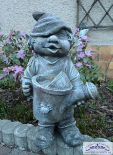 SO-10239 Gartenzwerg mit Gießkanne in der Hand Wichtel Gartenfigur 41cm - Vorschau 5