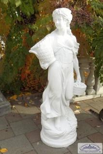 S253 Gartenfigur Blumenmädchen Dona Skulptur Frau mit Blumenkorb Steinfigur als Beton Steinguss Skulptur 135cm 169kg