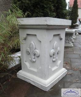 BD-6529 Sockel mit Lilie 60cm für Gartenfigur Vasen Basissockel für Säule und Gartendekoration