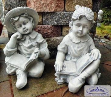 SRS101145 Kinderfiguren Mädchen und Junge sitzend mit Buch als Gartenfiguren Steinfiguren