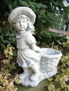BAD-1512 Gartenfigur Gärtnerin mit Pflanzkorb Skulptur Steinfigur als Beton Steinguss Figur 64cm 32kg