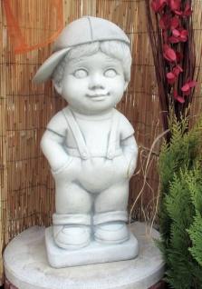 BAD-KP0229 Gartenfigur Kasper Junge mit Basecap 65cm 46kg Beton Steinguss Figur als Gartendeko Steinfigur
