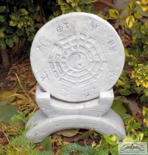 BAD-10306 Chinesisches Garten Horoskop Yin Yang Gartendekoration für Asiatischen Garten aus Beton Steinguss 74cm