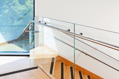 Holz Treppen Fliesen AntiRutsch Streifen schwarz verschiedene Längen/Stückzahlen