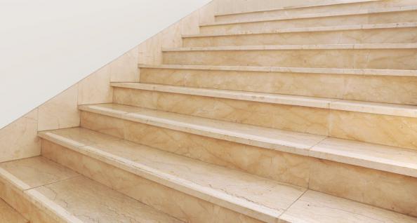 5 cm Holz Treppen Anti Rutsch Streifen +gummiert + transparent mit runden Enden