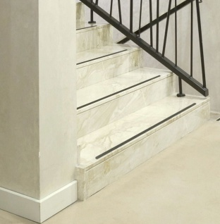 Anti Rutsch Streifen + gummiert schwarz + Treppe rutschschutz Rutschhemmer