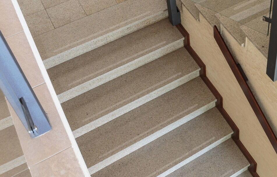 25 mm breite anti rutsch streifen treppe gewerblich 60 iger k rnung runde enden kaufen bei kay. Black Bedroom Furniture Sets. Home Design Ideas