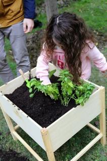 Holzspielzeug - Gartentisch - Vorschau 3