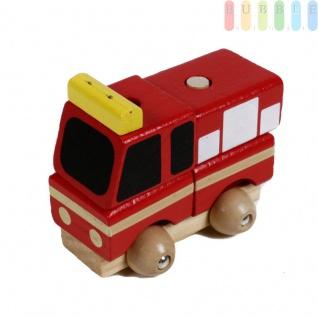 Holz-Feuerwehrauto Steck-Puzzle für Kleinkinder aus 5 Teilen, rot mit schwarz/weiß, ca. 9 cm