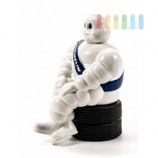 Michelin-Männchen Dekofigur, sitzend auf Reifenstapel, mit Klebepad, Größe 20 cm