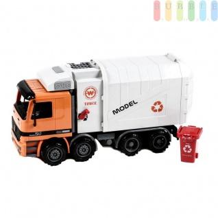 LKW Müllwagen von Gear Box mit Friktionsantrieb, mit Mülltonne und manueller Ausleerfunktion, Auflieger hochklappbar und zu öffnen, Länge ca. 37 cm