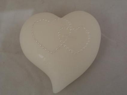 Kerze Herz weiß mit Dekor, 9 cm