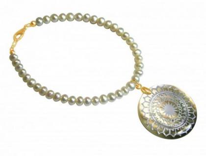 Perlen-Armband mit Perlmutt-Medaillon Vergoldet Weiß Grau