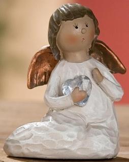 Dekofigur Engel Heidi mit Herz aus Polyresin, 5 x 8 cm