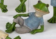 Deko Frosch liegend im blauen Shirt, 10 x 7 cm