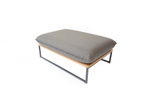 Flora Lounge Polsterbank 105 × 72 cm mit Edelstahlgestell von Fischer Möbel