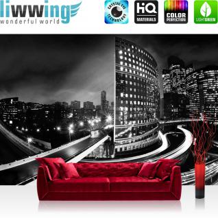 liwwing Fototapete 368x254 cm PREMIUM Wand Foto Tapete Wand Bild Papiertapete - Skylines Tapete Häuser Skyline Nacht Lightning New York schwarz - weiß - no. 613