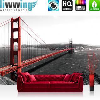 liwwing Vlies Fototapete 300x210 cm PREMIUM PLUS Wand Foto Tapete Wand Bild Vliestapete - USA Tapete Golden Gate Bridge Wasser USA schwarz-weiß rot - no. 429