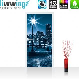 liwwing Vlies Türtapete 91x211 cm PREMIUM PLUS Tür Fototapete Türposter Türpanel Foto Tapete Bild - Laterne Nacht New York - no. 856