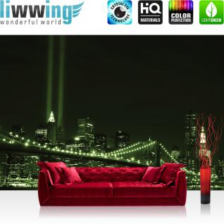 liwwing Vlies Fototapete 300x210 cm PREMIUM PLUS Wand Foto Tapete Wand Bild Vliestapete - New York Tapete Brücke New York Tower Lichter grün - no. 692
