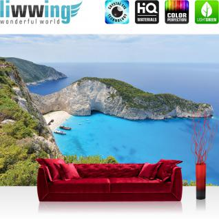 liwwing Vlies Fototapete 312x219cm PREMIUM PLUS Wand Foto Tapete Wand Bild Vliestapete - Meer Tapete Bucht Klippen Boot blau - no. 1541