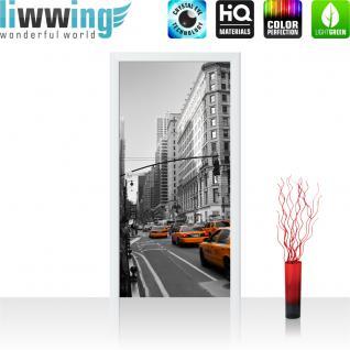 liwwing Vlies Türtapete 100x211 cm PREMIUM PLUS Tür Fototapete Türposter Türpanel Foto Tapete Bild - Skyline Manhatten Taxis - no. 194
