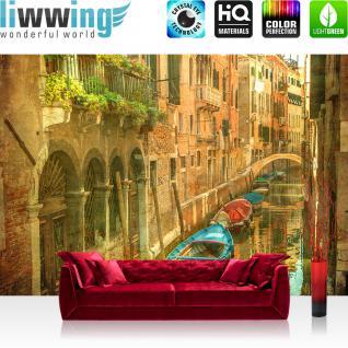 liwwing Vlies Fototapete 300x210 cm PREMIUM PLUS Wand Foto Tapete Wand Bild Vliestapete - Venedig Tapete Venedig Brücke Boot Häuser Kanal Vintage Gemälde Kunst ocker - no. 432