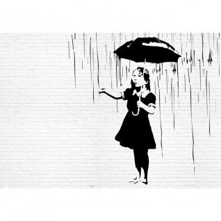 Fototapete Illustrationen Tapete Mädchen Regen Regenschirm Steinwand Stein Wand schwarz weiß | no. 1880