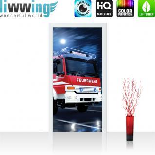 liwwing Türtapete selbstklebend 91x211 cm PREMIUM PLUS Tür Fototapete Türposter Türpanel Foto Tapete Bild - Feuerwehr Auto Nacht Mond - no. 535