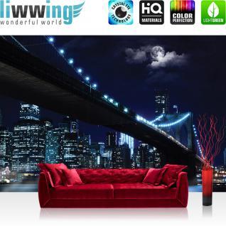 liwwing Vlies Fototapete 312x219cm PREMIUM PLUS Wand Foto Tapete Wand Bild Vliestapete - New York Tapete Brooklyn Bridge Manhattan Nacht Skyline Mond blau - no. 3284