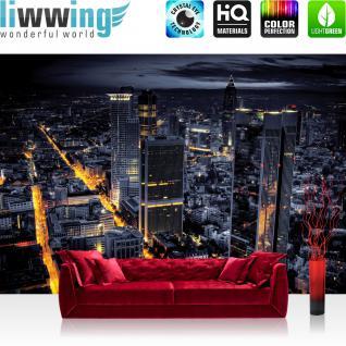 liwwing Fototapete 368x254 cm PREMIUM Wand Foto Tapete Wand Bild Papiertapete - Skylines Tapete Panorama Skyline Häuser Straßen Nacht Lichter grau - no. 956