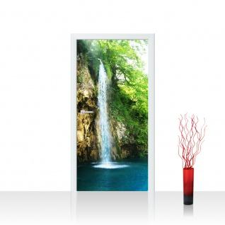 Türtapete - Waterfall in Paradise Wasserfall Berge See Wald Bäume Landschaft | no. 35