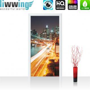 liwwing Türtapete selbstklebend 91x211 cm PREMIUM PLUS Tür Fototapete Türposter Türpanel Foto Tapete Bild - Skyline Straße New York Lightning - no. 1111