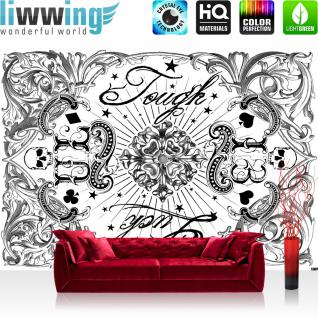 liwwing Vlies Fototapete 368x254cm PREMIUM PLUS Wand Foto Tapete Wand Bild Vliestapete - Illustrationen Alchemy Tapete Tough Luck Pech 13 Totenkopf schwarz - weiß - no. 3505