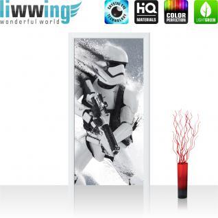 liwwing Vlies Türtapete 91x211 cm PREMIUM PLUS Tür Fototapete Türposter Türpanel Foto Tapete Bild - STAR WARS Stormtrooper Kindertapete Cartoon Roboter Helm Waffe - no. 838